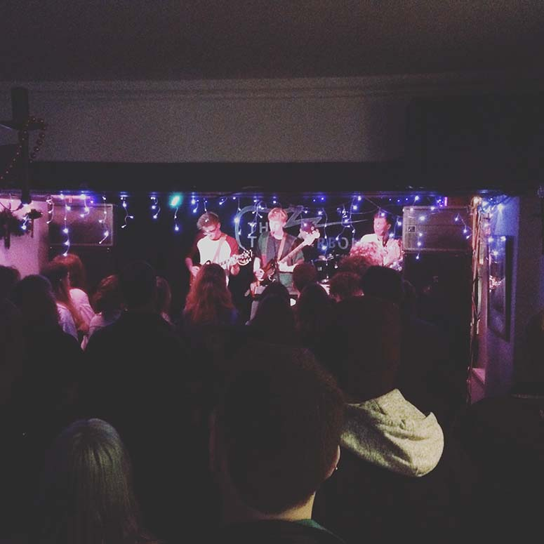 PENULTIMATE BRISTOL UNSIGNED SHOW OF THE YEAR